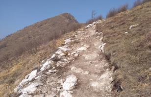 15 aprile 2018 trekking: CORNA TRENTAPASSI DA ZONE